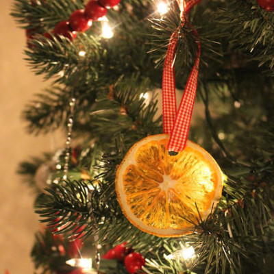 dried-orange-slice-ornaments