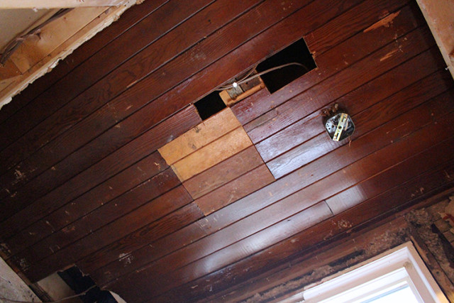 powder-room-original-ceiling-revealed