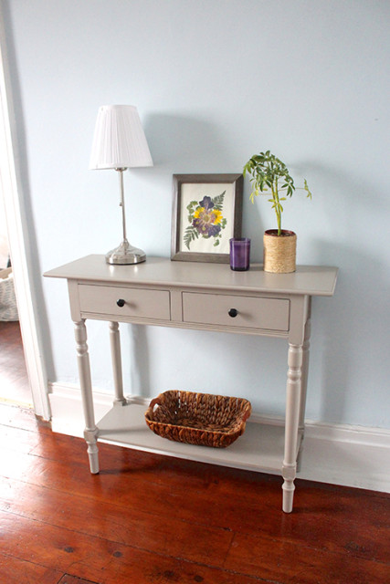 wayfari-hallway-console-table-flowers
