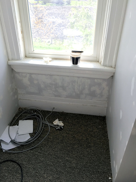 spackle-under-window