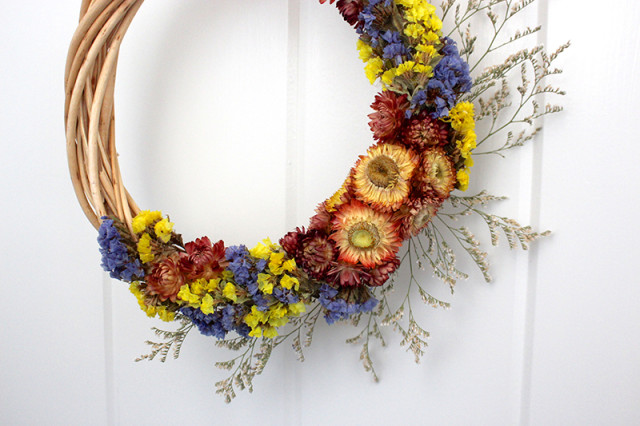 dried-flower-wreath-tutorial-closeup