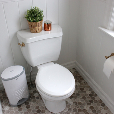 Farmhouse Powder Room Reveal