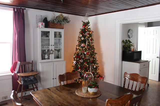 cloverhill-christmas-dining-room