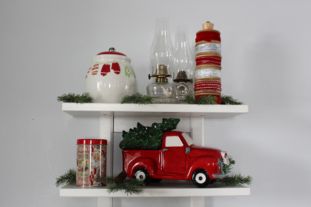 cloverhill-christmas-kitchen-shelves