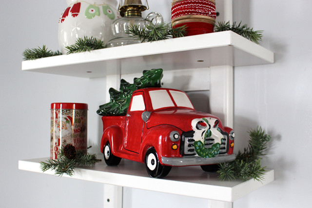 cloverhill-christmas-truck-cookie-jar